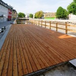 Neue Bodenplanken für die Ufer-Balkone