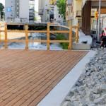 Siegufer: Pflasterung der Übergänge zwischen Kunstweg und Balkon