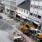 Die aufgerissene Bahnhofstraße aus der Vogelperspektive mit den einzelnen Bauabschnitten.