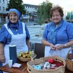 Die Frauen vom Heimatverein Feuersbach kamen in traditioneller Kleidung.