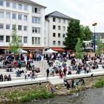 Der erste Tag am neuen Ufer: Viele Gäste aus Siegen und Umgebung waren gekommen, um die neue Stufenanlage zu feiern.